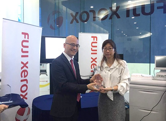 Ms Teh Soo Tyng, our Sustainability Strategy & Programme Director receiving the winning awards during Fuji Xerox 2017 PIXI Awards Ceremony on 7th June 2018 that was held at Fuji Xerox PJ Showroom. This is the first time we are participating in this competition and have won first place in Environmental Category after submitting our Sustainability Report 2014. This annual competition was held as a recognition for the innovation and excellence in digital printing work from users of Fuji Xerox solutions across the region.